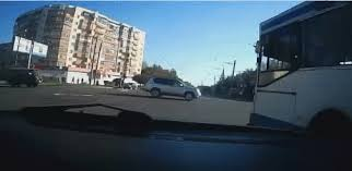 weird car crash gifpins com