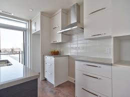 images de cuisine cuisine moderne avec comptoir de quartz facile d entretien dosseret