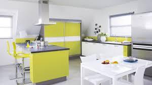 cuisine verte pomme cuisine équipée moderne en u light blanche verte cuisinella