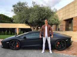 voiture de sport 2016 cristiano ronaldo devient la risée du web en postant une photo de