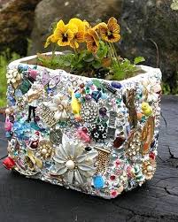 the 25 best upcycled garden ideas on pinterest diy upcycled