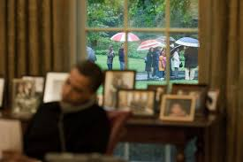 white house tours obama file barack obama on the phone in oval office when visitors touring