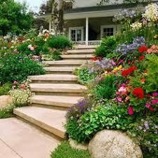 steingarten pflanzenauswahl hang treppen kies bodenbedeckt ideen