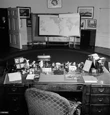 oval office desk belonging to the late president pictures getty