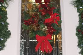 Home Depot Christmas Decoration by Easy Front Door Holiday Décor With The Home Depot Canada