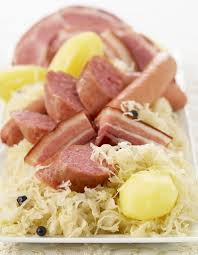 cuisine d alsace choucroute d alsace recettes à table