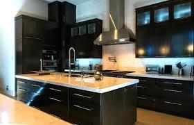 peinture cuisine bois repeindre une cuisine en bois meubles de cuisine en bois meuble