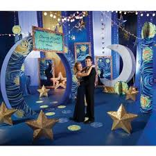 Under The Sea Decorations For Prom Popular Prom Themes Lovetoknow