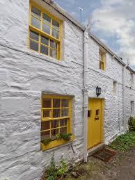 yellow door living in the shires