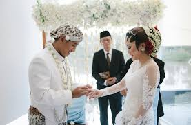 wedding dress indo sub weddings in indonesia a guide to customs and etiquette at