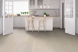 what color kitchen cabinets go with hardwood floors don t miss these new flooring ideas for hardwood floors