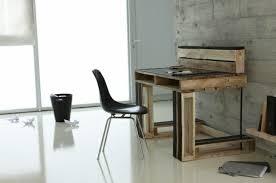 modele de bureau bureau en palette modèles diy et tutoriel pour le fabriquer soi même