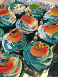 thanksgiving cupcake designs 25 pool party cakes that make a splash themed cakes lifeguard