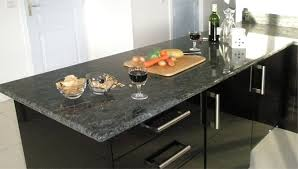 plan de travail cuisine noir plans de travail de cuisine crédences en granit marbrerie arnaud