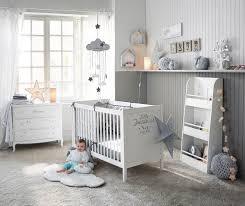 chambre deco bebe inspiration déco 1 nuages et étoiles pour la chambre de bébé