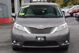 toyota awd 2013 2013 used toyota 5dr 7 passenger v6 xle awd at rightway