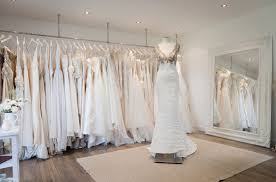 shop wedding dresses 7 things every should before wedding dress shopping