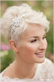 Frisuren F Kurze Haare Hochzeit by Die Besten 25 Brautfrisur Kurze Haare Ideen Auf