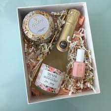 will you be my of honor gift best 25 bridesmaid wine bottle ideas on wine