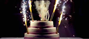 feux d artifice mariage feux d artifices et feux de bengale pour décoration du gâteau de