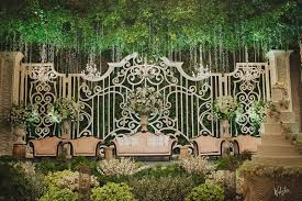 garden ballroom wedding in jakarta by juzzon productions