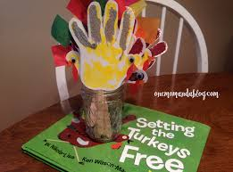 storybook craft setting the turkey u0027s free one mom and a blog