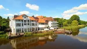 Baumhaushotel Bad Zwischenahn Seehotel Fährhaus In Bad Zwischenahn Youtube