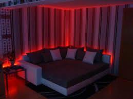 sofa mit beleuchtung led rückwand
