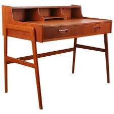 Small Vintage Writing Desk Best 25 Antique Writing Desk Ideas On Pinterest Throughout Desks