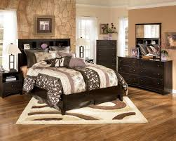 Small Master Bedroom With King Size Bed Bedroom Furniture Bedroom Makeover Ideas Modern Bedroom Ideas