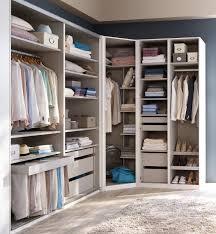 faire un placard dans une chambre chambre faire un dressing dressing angle conforama comment