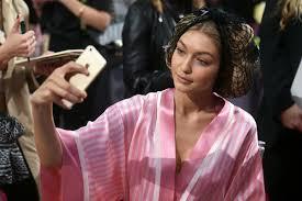 hair show 2015 2015 victoria s secret fashion show hair make up zimbio