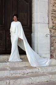 robe de mariã e createur babylone et sa cape voici la collection 2018 de robe de mariée sur