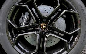 lamborghini aventador tyre price 2012 lamborghini aventador lp 700 4 drive motor trend