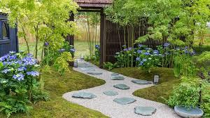 Summer Gardening - see ccla a summer garden at rhs hampton court palace flower show