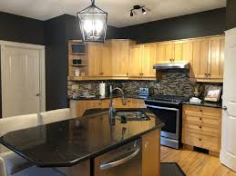 what paint colors look best with maple cabinets wall color to match maple kitchen cabinets