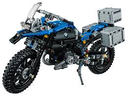 lego technic sets first look at 2017 lego nexo knights technic and friends sets