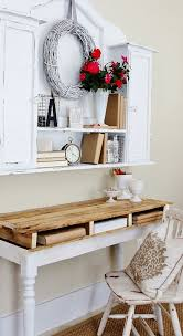 How To Make A Platform Bed With Pallets by 19 Diy Pallet Desks U2013 A Nice Way To Save Money And To Customize