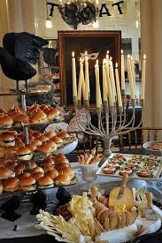 Table Buffet Decorations by Best 25 Halloween Buffet Ideas On Pinterest Halloween Buffet