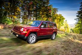 jeep mini 1 9 million jeep dodge and chrysler vehicles recalled for airbag