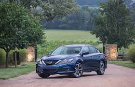 insurance institute for highway safety awards 2016 nissan altima
