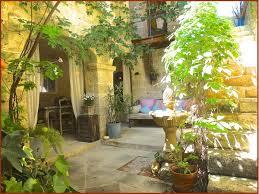 chambres d h es luberon chambres d hotes ansouis un patio en luberon maison d hotes