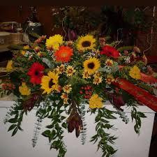 flowers for men best 25 flowers for men ideas on buttonholes button