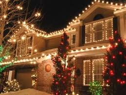 Tasteful Outdoor Christmas Decorations - best 25 christmas lights on houses ideas on pinterest christmas