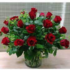 2 dozen roses uptown modern 2 dozen roses uptown blossoms