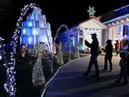 christmas decorations light show fred loya christmas lights show kicks off dec 1