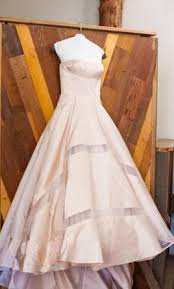 pictures of dresses used wedding dresses buy sell used designer wedding gowns