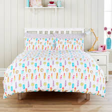 the hummingbird ice lollies bedding features a fun bright ice
