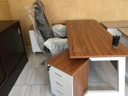 bureau en bois a vendre bureau en bois avec caisson séparé à vendre à dans meubles et