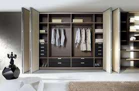 placard de rangement pour chambre les portes de placard pliantes pour un rangement joli et moderne
